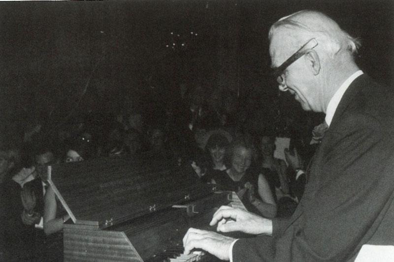 OVE  piano_croplett